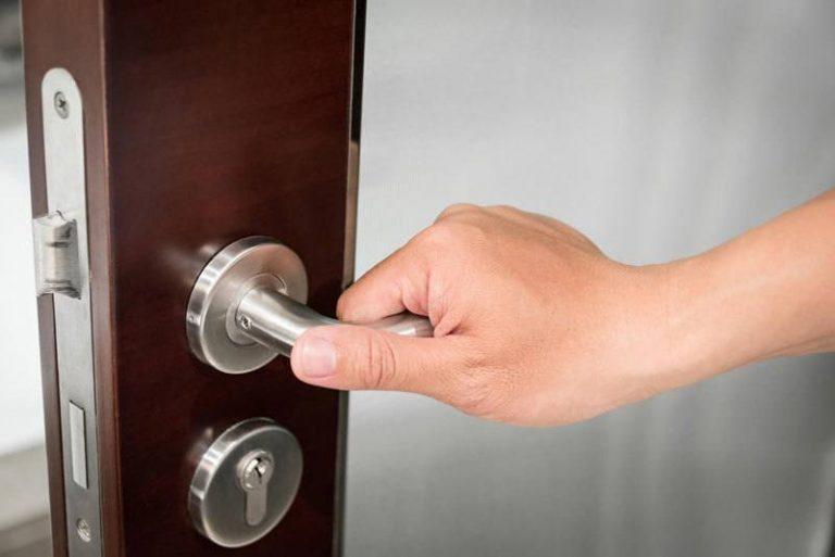 OPEN SOMEONE'S DOOR